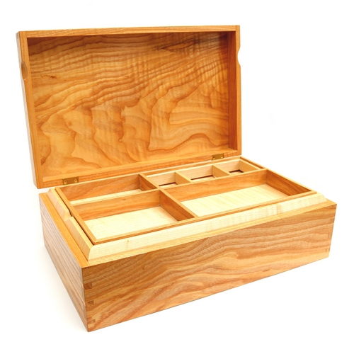 Jewellery Box Rippled Olive Ash/Rippled Sycamore