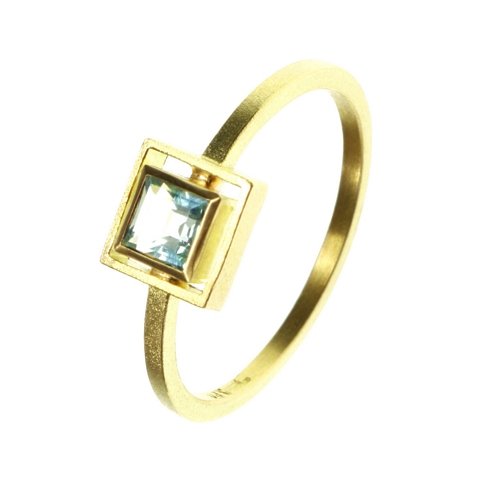 Ring  18ct Topaz